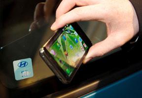 Smartphone Pengganti Kunci Mobil