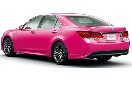 Crown Funky, Mobil Hybrid Berjiwa Muda ala Toyota