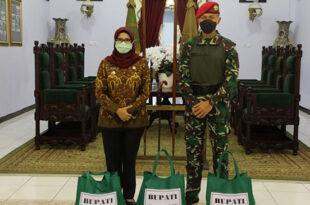 Bupati Blitar Beri Dukungan Logistik Untuk Kopasus TNI AD