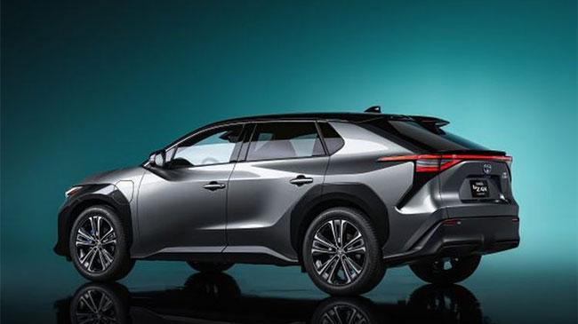 Toyota bZ4X Mobil SUV Listrik Ramah Lingkungan